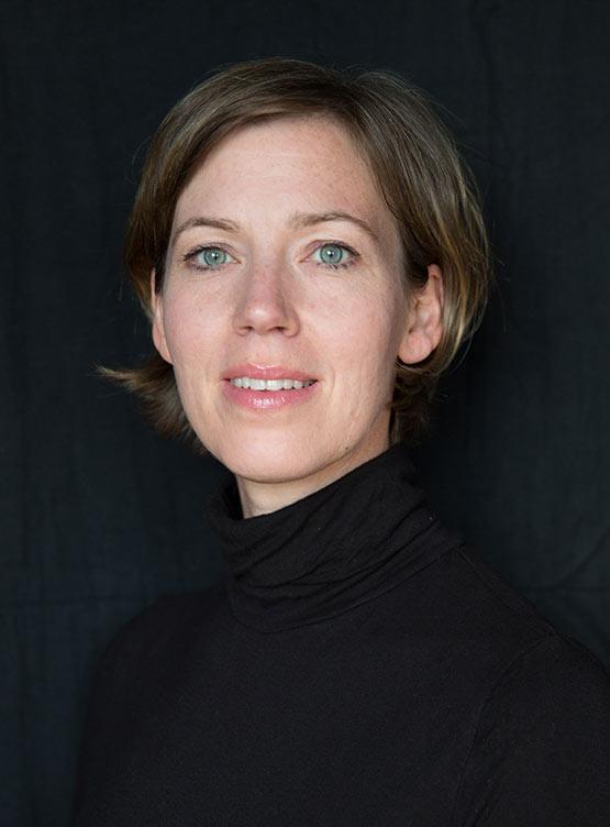 Julia Bünger - Grafikdesignerin und Inhaberin von BOUBOIKI